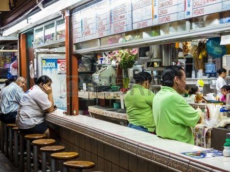 San Jose Costa Rica Circa 08 2012 Restaurante En El Mercado Central Alrededor Del Año 2012 En San José Una Atracción Muy Popular Y El Mercado Más Grande De Costa Rica San José Restaurantes
