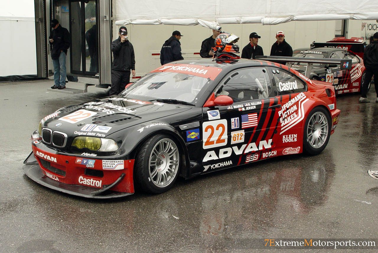 Bmw m3 gtr black and red livery