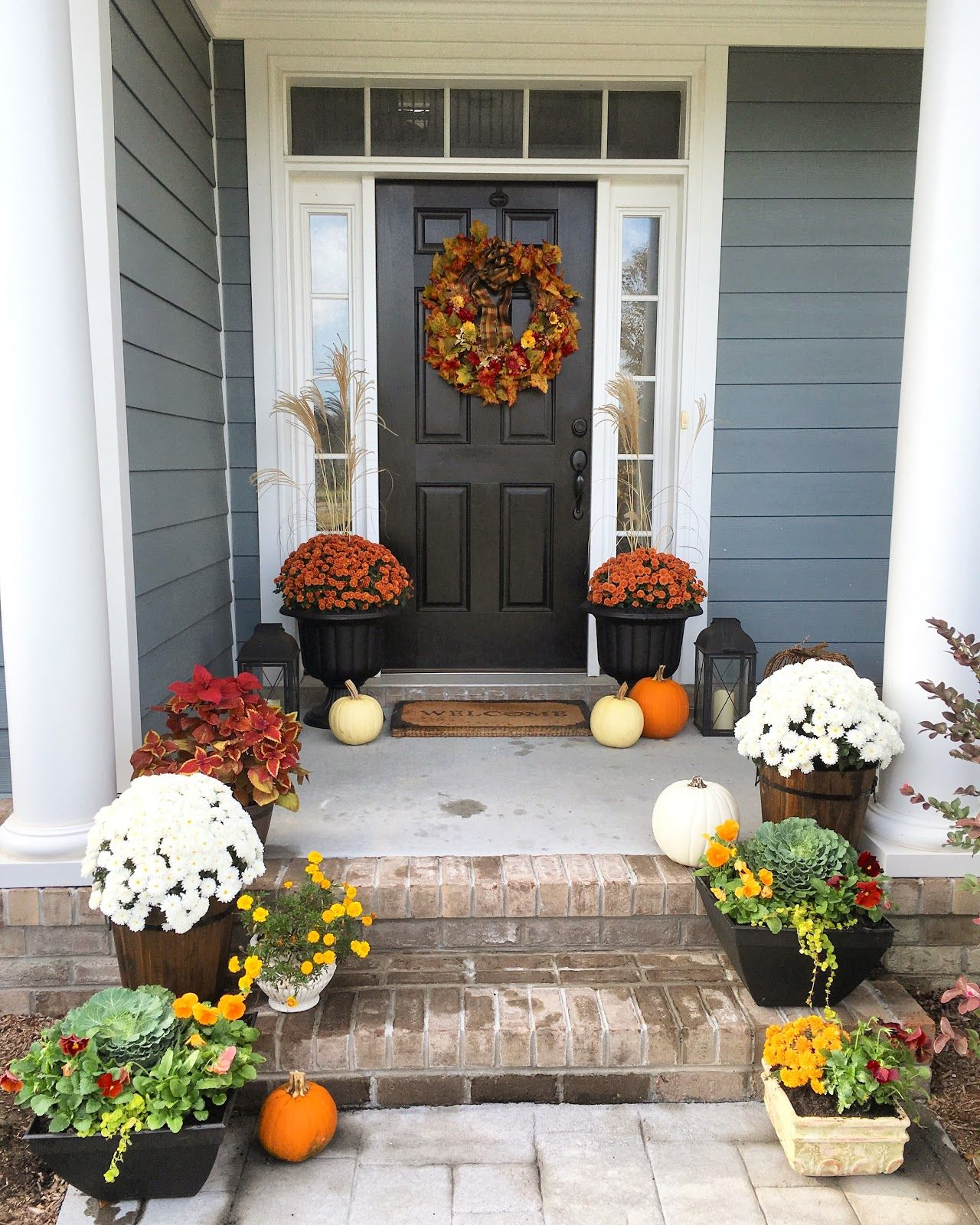 Fall Front Porch Decor and Thanksgiving porch ideas Front Porch - Front Door Halloween Decorations