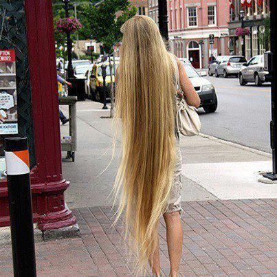 Oh My Gawsh Longest Hair Like Ever Serena Is A Natural Blond