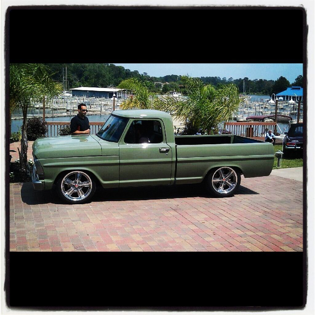 Fast N Loud Kc S Paint Shop Classic Ford Trucks Old Ford Trucks Gas Monkey