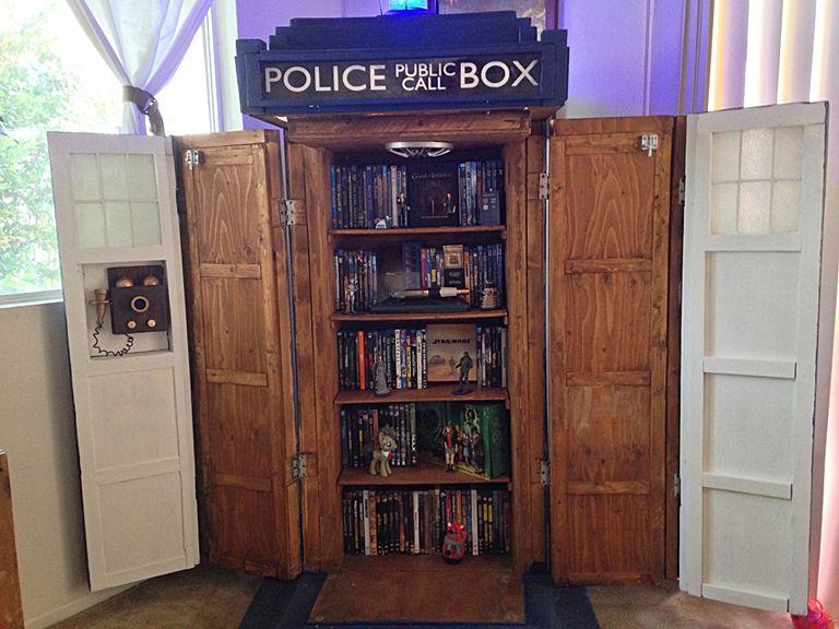 Geek DIY TARDIS Cabinet