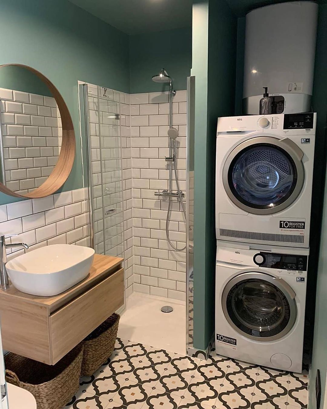 Pinterest Claudiagabg In 2020 Small Bathroom Makeover Small