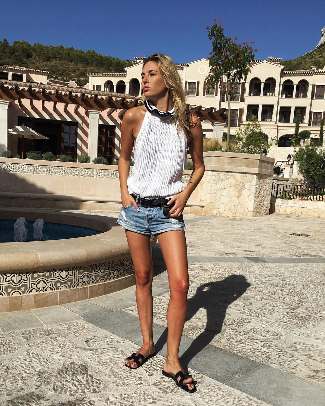 See This Instagram Photo By Camillecharriere 1 345 Likes Summer Outfits Summer Holiday Outfits Summer Blouses