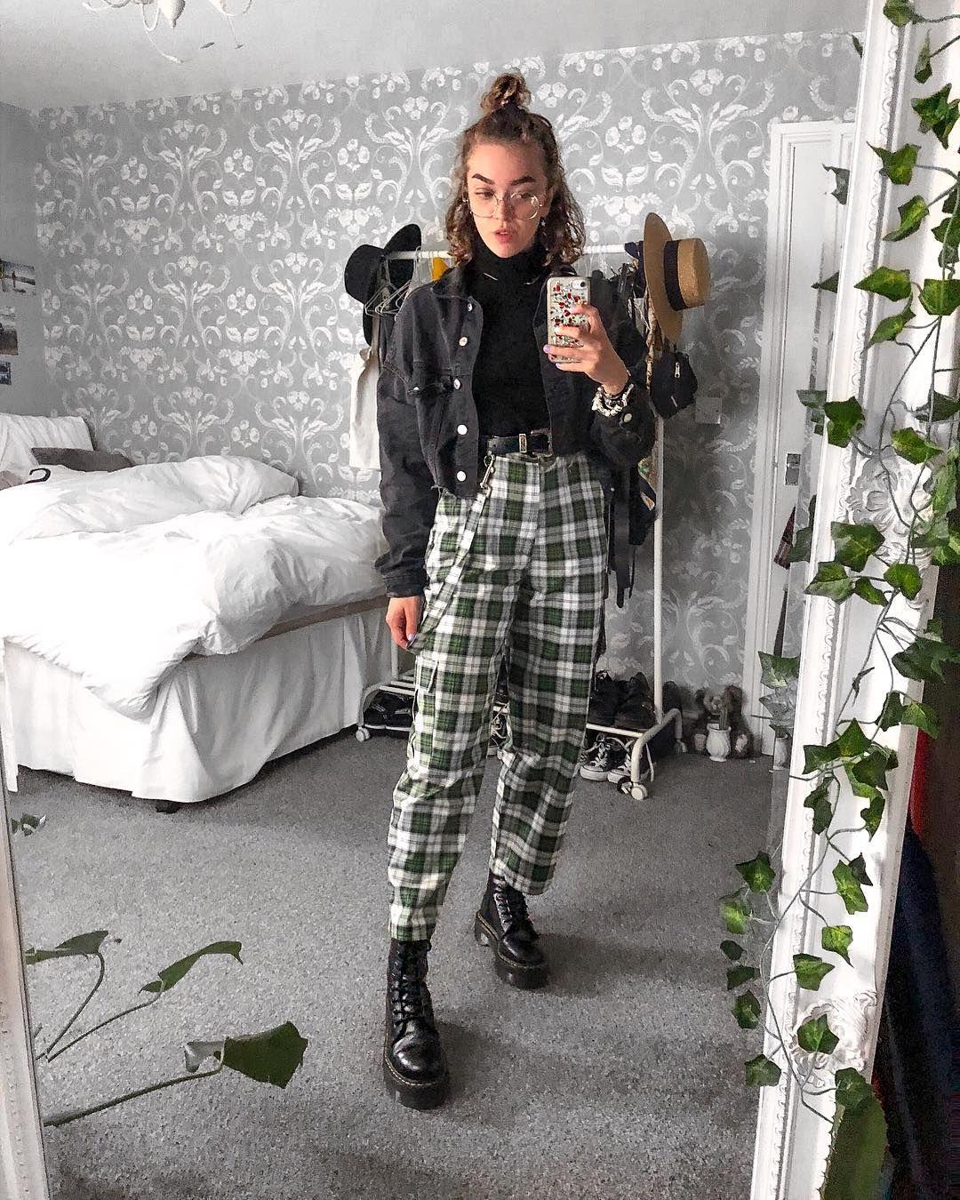 "12.5 mil Me gusta, 74 comentarios - Sophie Rose Seddon (Sophie LB.seddon) en Instagram: ""Forever wearing checkered pants 🍒"""