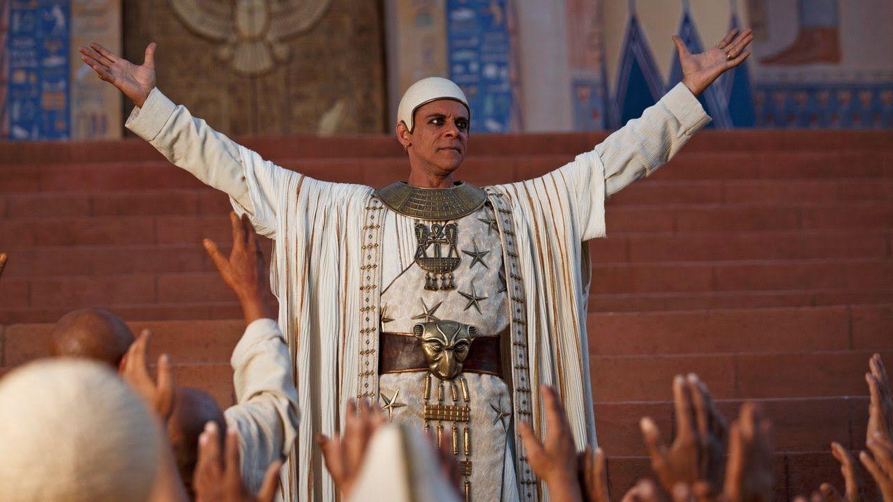 Centre Alexander Siddig As Amun In Tut 2015 Mini Tv Series Spike