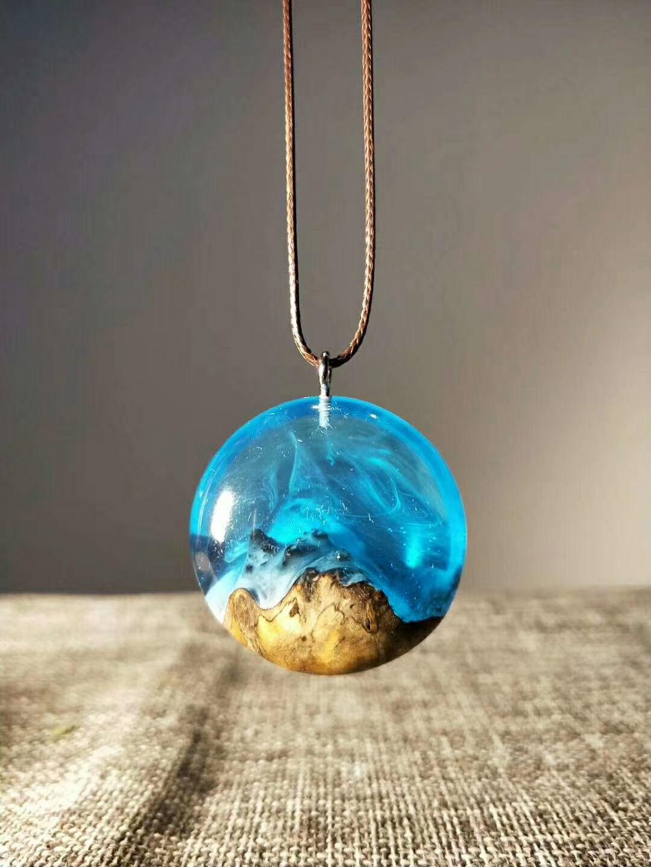Epoxy jewelry wood epoxy pendant wood jewelry round ocean wood and resin pendant wood resin necklace pendant wood resin necklace