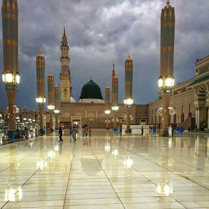 the prophet s mosque masjid e nabawi medina saudi arabia it is