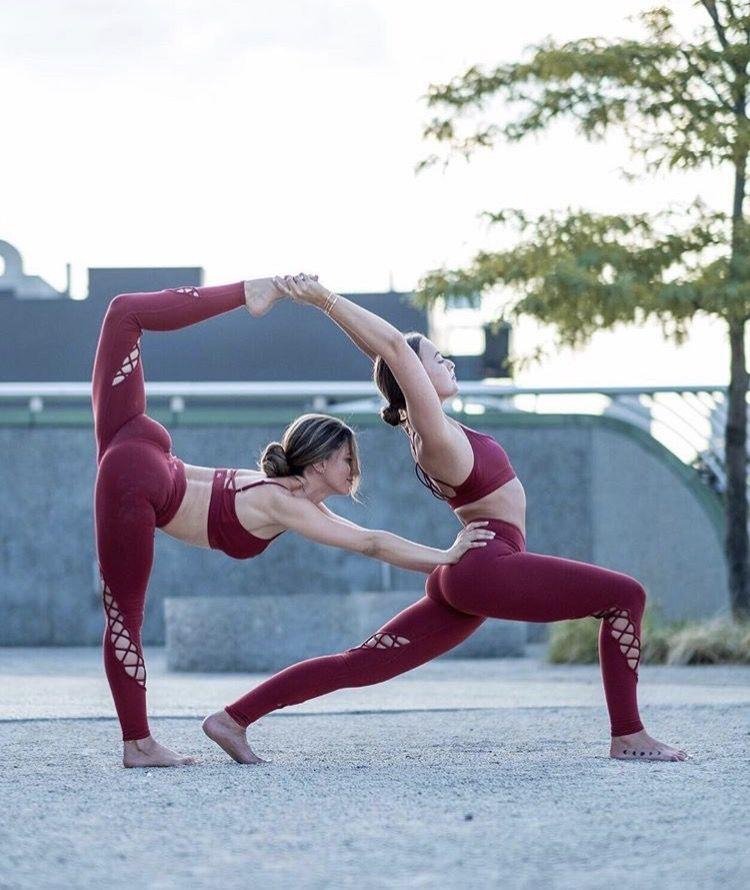 KingPinner BobbyGinnings partneryoga Couples yoga poses