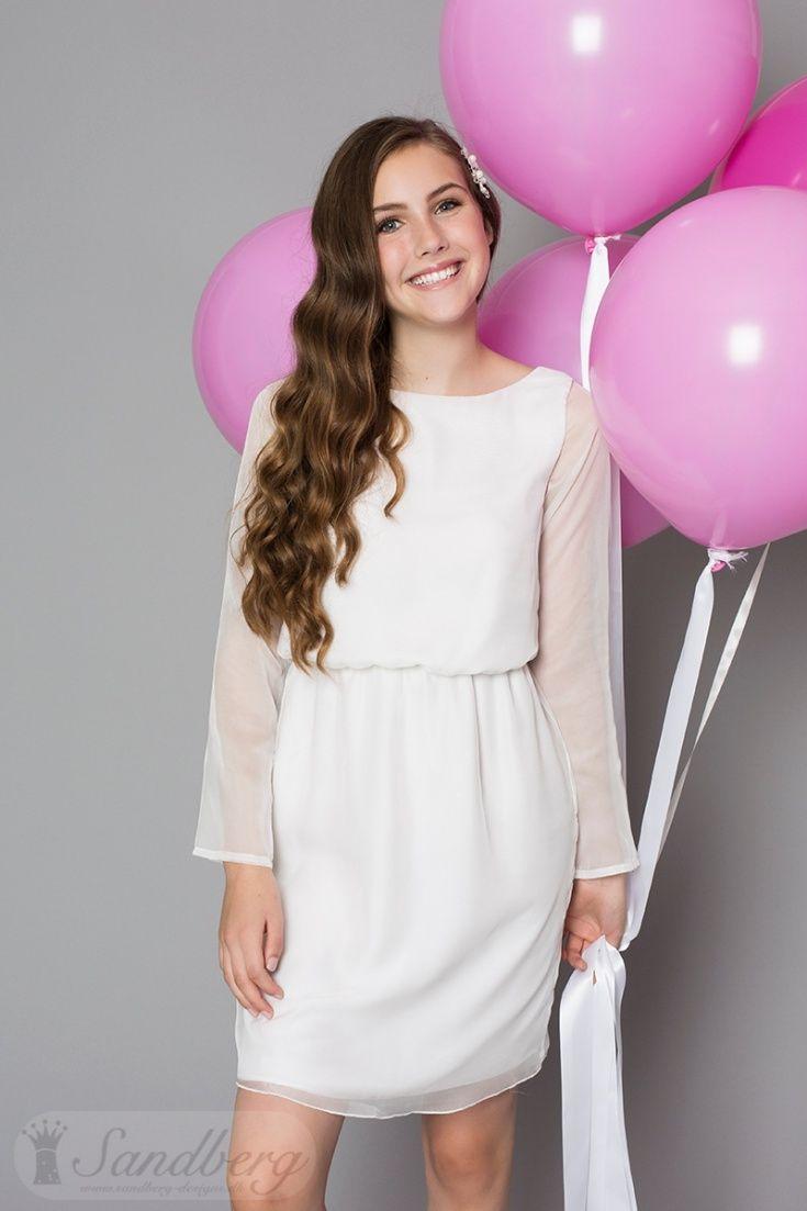 fb11bdf2 Konfirmationskjole 2017 kollektion Juliette En fin blød silke, enkel kjole  med elastik i livet.