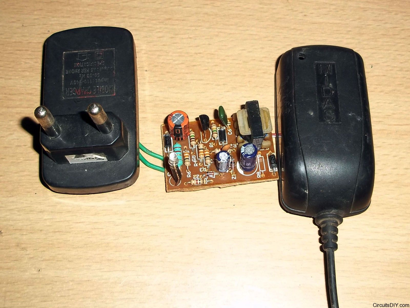 So How To Repair Mobile Charger Circuits Here You Can Find Sg3524 Inverter Circuit Diagram Http Wwwseekiccom Circuitdiagram Detailed Repairing Tips It Covers Fault Detection And Replacing Components