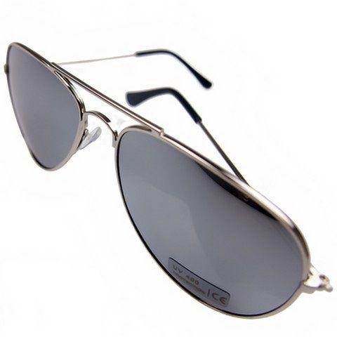 Óculos, modelo aviador. Armação de cor prata. Lentes espelhadas. Protecção UV 400.
