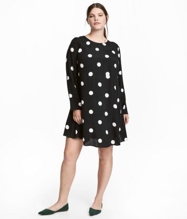 0db249b50ce Black/white dotted. Short, straight-cut dress in woven crêped fabric ...