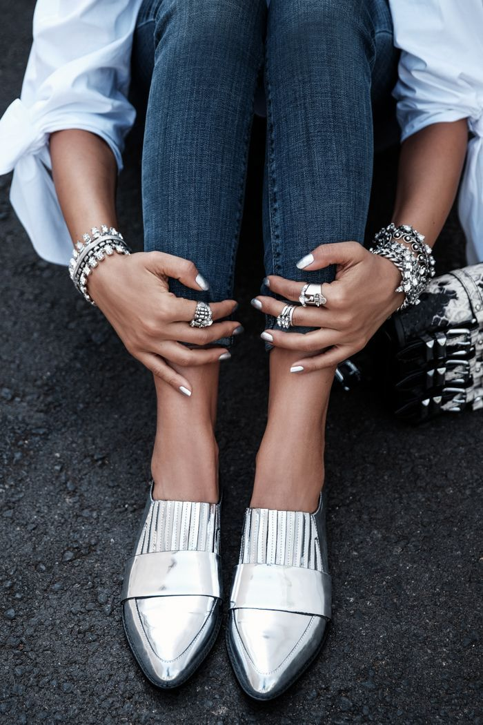 Silver Flat Shoes With Jeans And Shirt