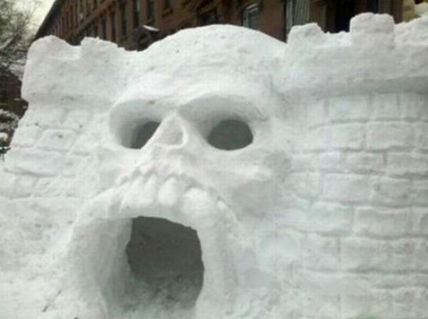 The Castle Greyskull igloo built in Brooklyn, NY by artist Kilroy III (what happened to the other two)and some of his friends, with out the power of Greyskull. Description from nerdbastards.com. I searched for this on bing.com/images