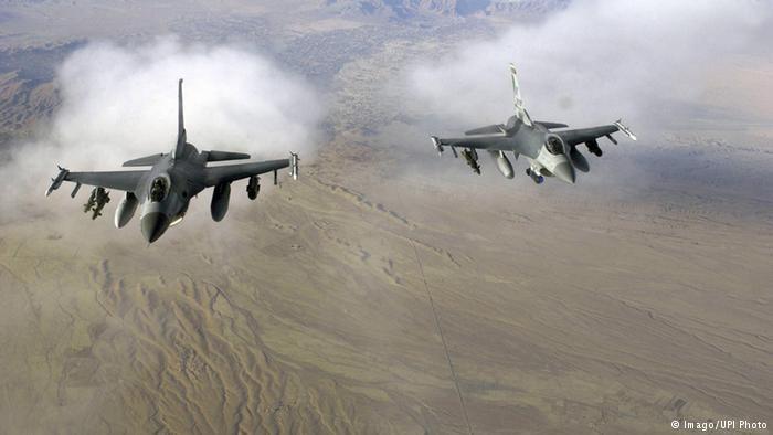 2 Jet Tempur Indonesia Cegat Herkules Malaysia Di Kepulauan Natuna Jet Tempur Herkules Pertempuran