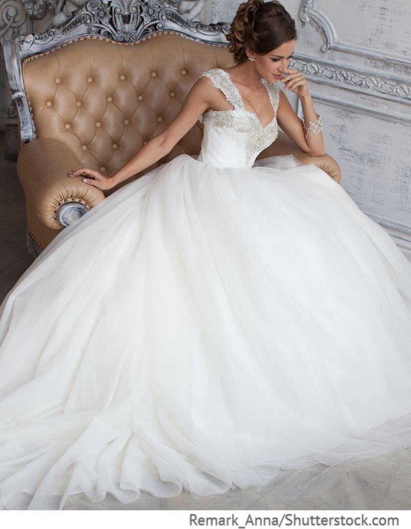 Hochzeitskleid aus Tüll mit Strasssteinen | Kleid hochzeit ...
