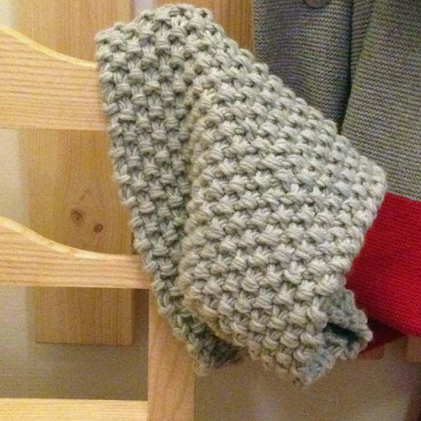 Voici un modèle de snood pour enfant tout simple à tricoter. Je ...
