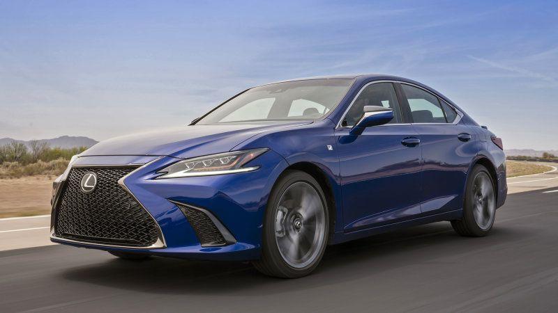 Lexus Es First Drive Review Entry Level Luxury That Wants To Have Fun Lexus Es Lexus Cars Lexus