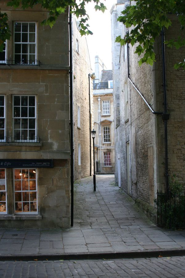 Somewhere in England!... Bath : )
