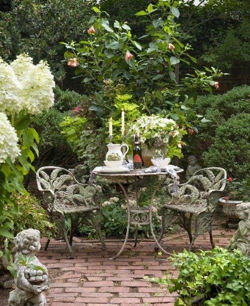 Un Coin Romantique Dans Votre Jardin Jardins Beaux Jardins Et