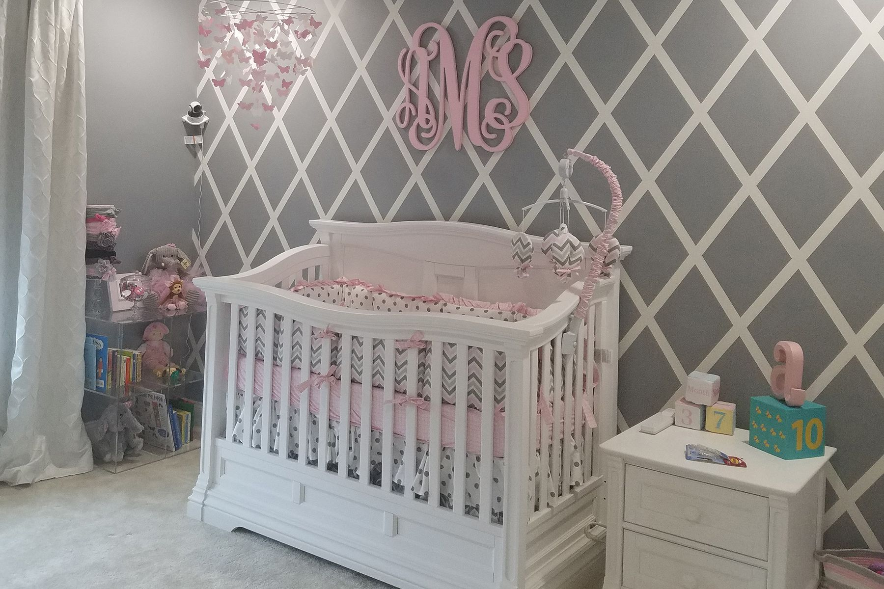 rug interior with bedroom nursery solid cozy design parkay wooden cribs floor sale traditional feizy oak romina crib baby furniture and for