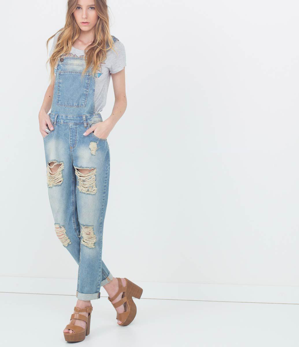 ad390bdda Macacão feminino Modelo longo Com rasgos Marca  Blue Steel Tecido  jeans  Composição  100% algodão Modelo veste tamanho  P COLEÇÃO VERÃO 2016 Veja  outras ...