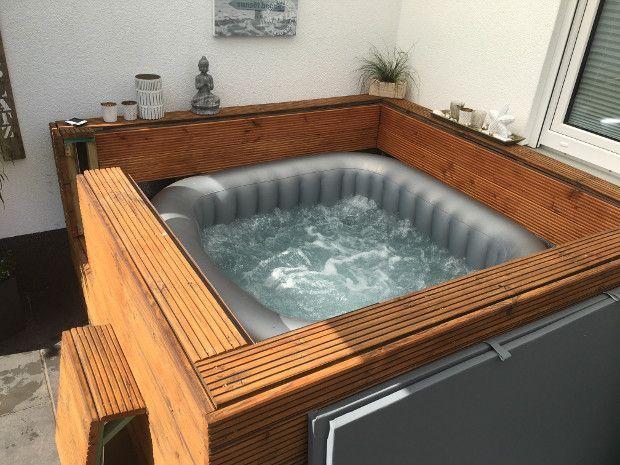 Aufblasbarer Outdoor Whirlpool Von Miweba Mspa Alpine Delight Mit Verkleidung Und Abdeckung Sprudelt In 2020 Hot Tub Outdoor Hot Tub Surround Jacuzzi Outdoor