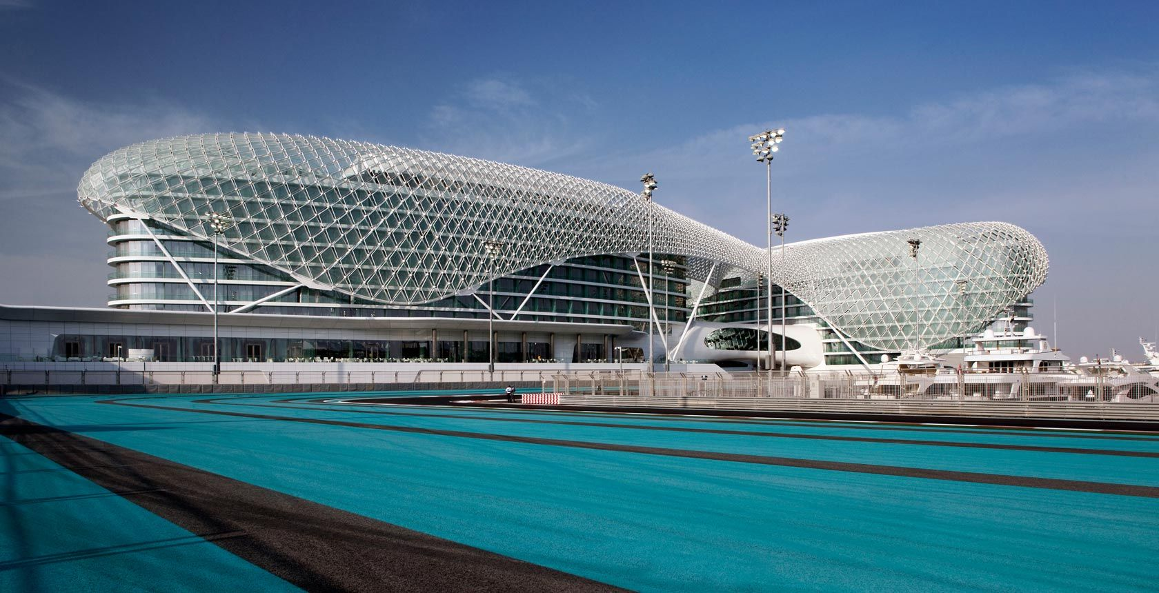5 star luxury hotel in yas island yas viceroy abu dhabi for Architectural design companies in abu dhabi