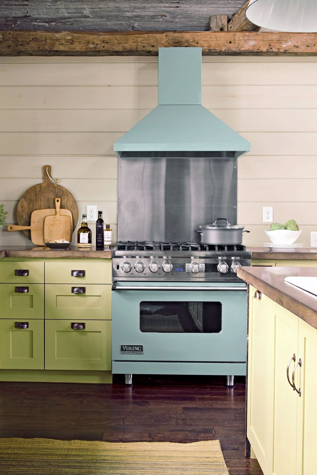 19 Popular Kitchen Cabinet Colors With Long Lasting Appeal In 2020 Cottage Kitchen Cabinets Kitchen Cabinets Cottage Kitchen Design