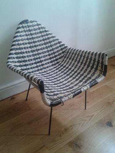 1960 S Retro Black And White Plastic Woven Tub Style Chair Ebay