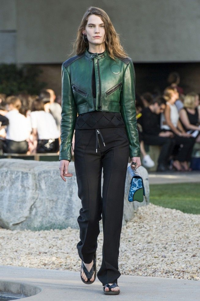 Coleção // Louis Vuitton, Paris, Resort 2016 // Foto 15 // Desfiles // FFW