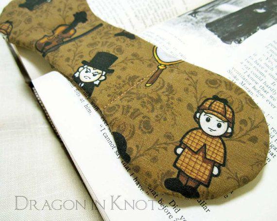 Sherlock Holmes Book Weight – Brown Victorian Literary Gift, Chibi Kawaii Classic Literature Character, Arthur Conan Doyle weighted bookmark