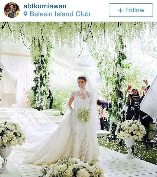 Celebrity Wedding Chiz Escudero And Heart Evangelista Wedding Heart Evangelista Wedding Vintage Lace Weddings