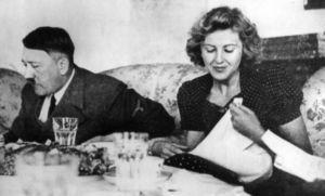 Slip von Eva Braun zu verkaufen - http://www.dravenstales.ch/slip-von-eva-braun-zu-verkaufen/