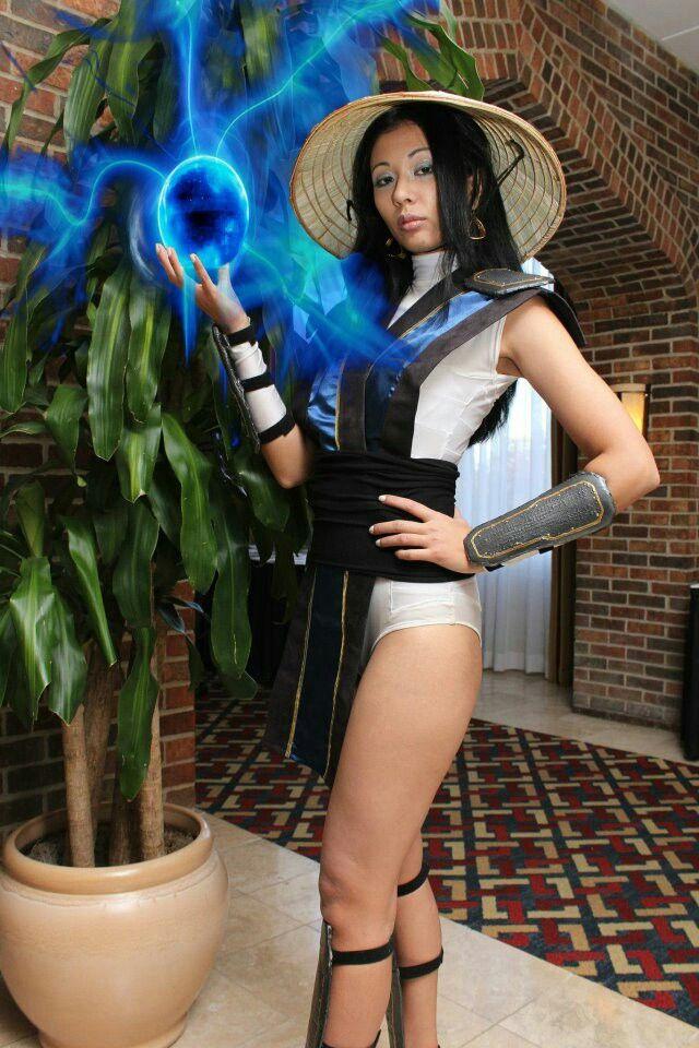 mortal kombat characters female costume