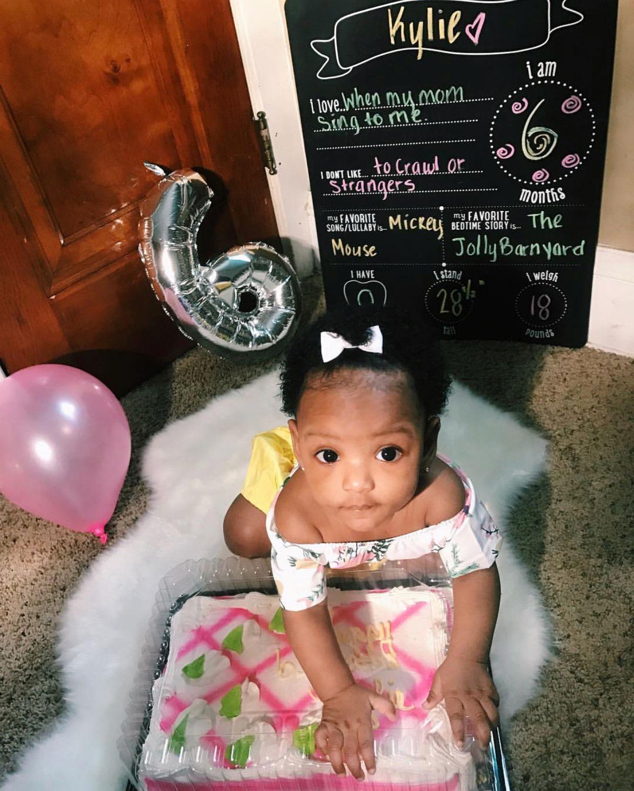 kylie - 6 months ❤ beautiful baby girl marking her half