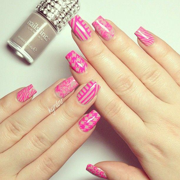 October Nail Art: Pink For October (Nails Art
