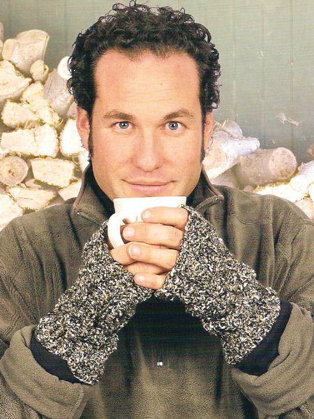 Free crochet pattern: Free Digits - The Crochet Dude #gloves