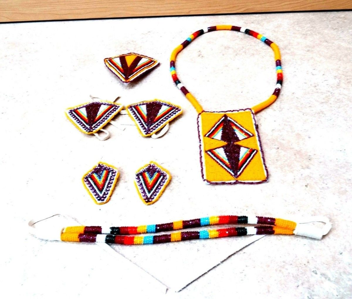 NICE MATCHING 7 PIECE HAND CRAFTED CUT BEADED NATIVE AMERICAN INDIAN DANCE SET!   #NativeAmerican #Arts #Crafts