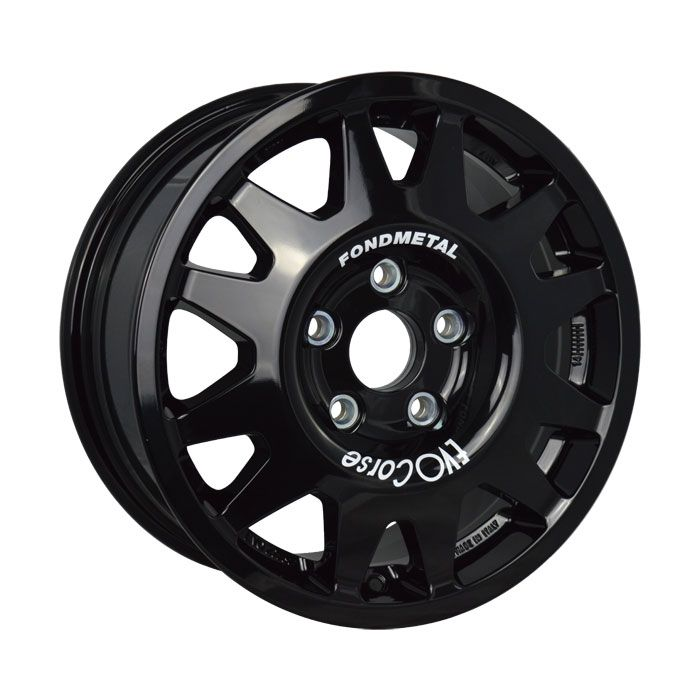 DakarCorse Glossy Black is the most widely used and efficient proposal for heavy off road, in all competitions and in the most extreme locations, where reliability makes the difference between victory and withdrawal. #OFFROAD #WHEELS #MADEINITALY #EVOCORSE #RALLY #RALLYRAID #BLACK #DAKARCORSE