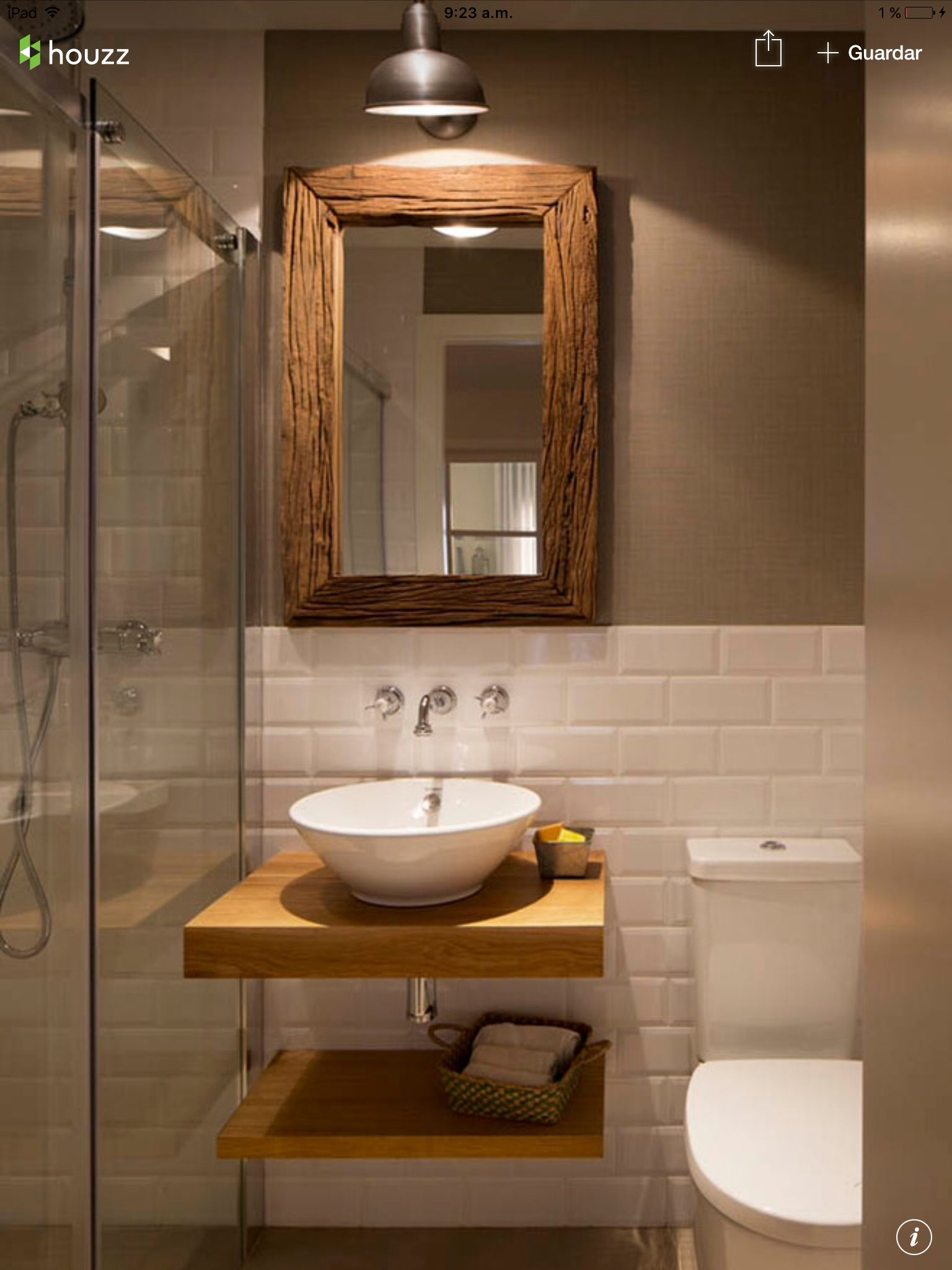Half white tiles with contrast brown wall and white and brown bathroom fixtures and accents Ideas Ba±osDecor