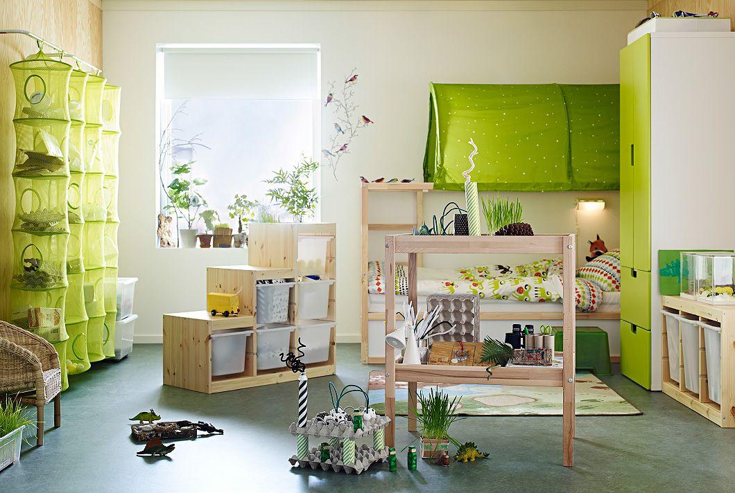 blick auf das kinderzimmer mit aufgem belten ikea m beln trofast aufbewahrungskombi in kiefer. Black Bedroom Furniture Sets. Home Design Ideas