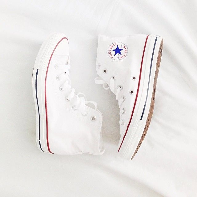 High top white converse size 7!