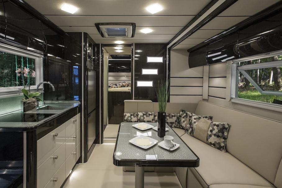 Mercedes benz zetros interior piedra natural a bordo en - Interior caravana ...