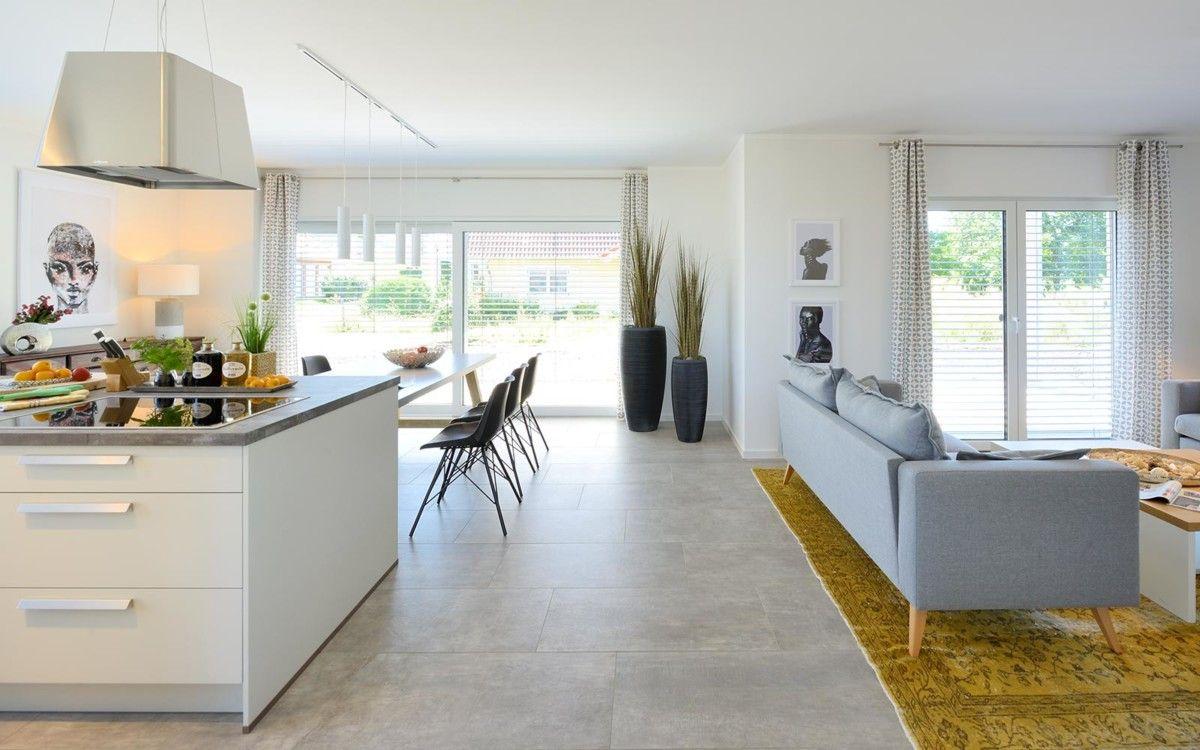 Offener Wohn-Essbereich mit Kücheninsel - Kampa Haus Erfurt