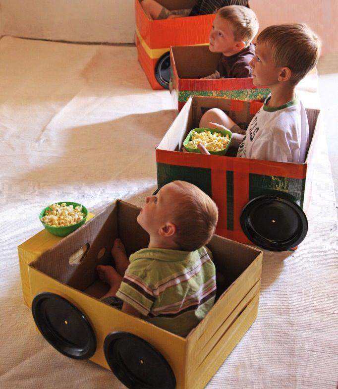 Kartonnen auto drive in bioscoop oppasstudent bso for Drive in bioscoop