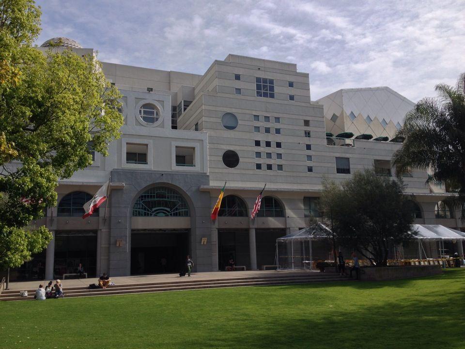 Fashion Institute Of Design Merchandising Fidm In Los Angeles Ca Institute Of Design Fashion Institute Design