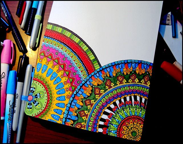 Draw doodle and decorate circle mandelas lovely stuff for Cool things to draw with markers