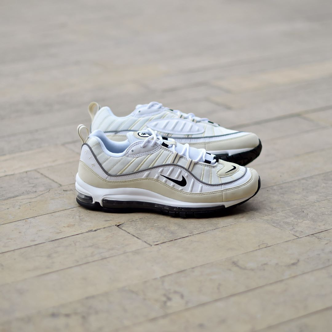 Nike W Air Max 98 White Black Fossil . Disponible Available  SNKRS ... 74e6a8b83